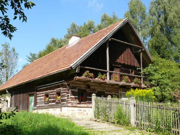 Blick auf das Webereimuseum in Breitenberg