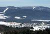 Blick über Breitenberg ins österreichische Skigebiet Hochficht
