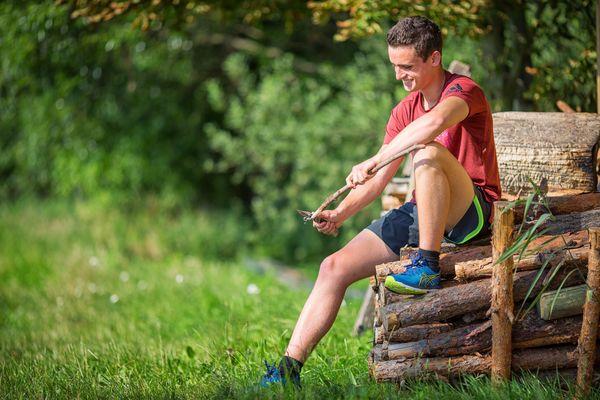 Holz schnitzen im Seenland Oder-Spree, Foto: Florian Läufer