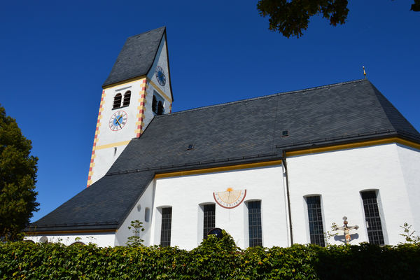 Pfarrkirche Mariä Himmelfahrt Vagen