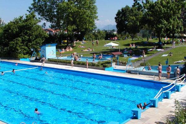 Schwimmbad Bruckmühl.