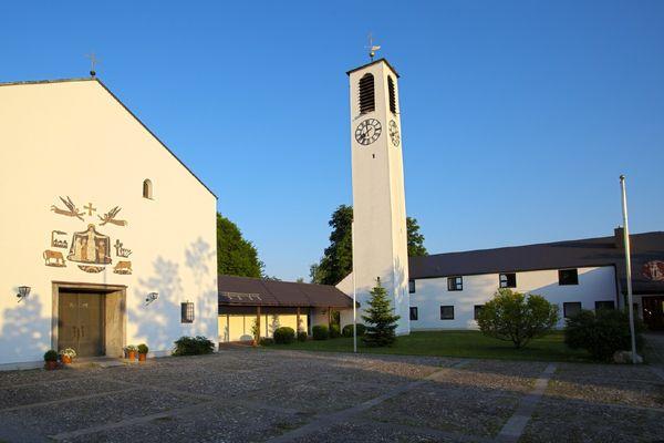 Pfarrkirche St. Korbinian Heufeld
