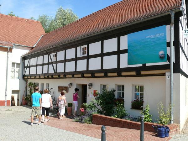 Tourist-Info Buckow, Foto: Schön