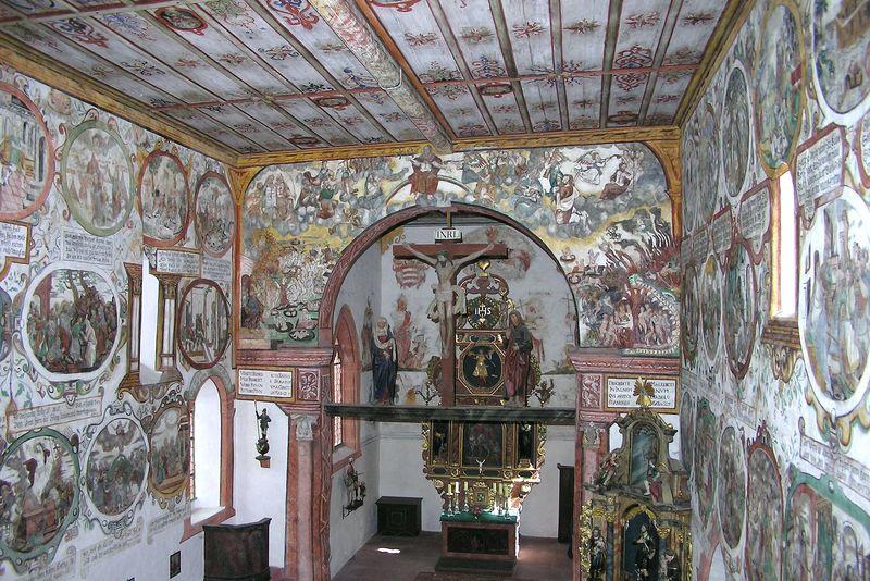 Beeindruckende Decken- und Wandmalerein der Martinskapelle