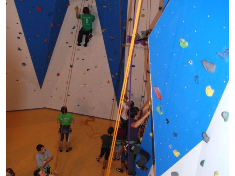 Sportklettern im DAV-Naturfreunde-Kletterzentrum Bayerwald in Pemfling bei Cham