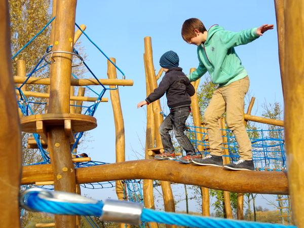 Spaß beim Klettern beim Freizeitgelände Quadfeldmühle in der Kreisstadt Cham