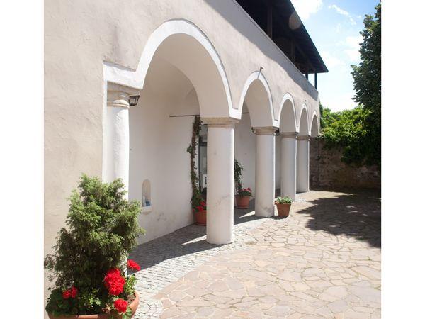 Die Arkaden im historischen Cordonhaus Cham im Naturpark Oberer Bayerischer Wald
