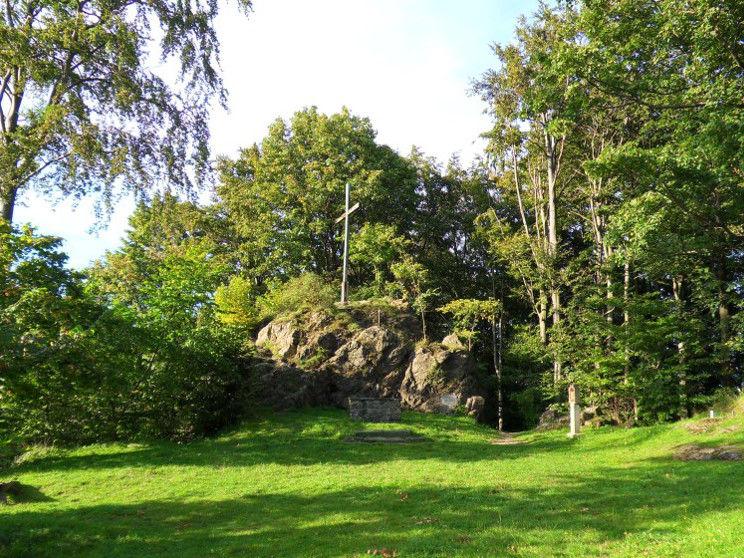 Gipfelkreuz auf dem Haidstein bei Chamerau im Naturpark Oberer Bayerischer Wald