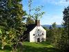 Blick auf die Wallfahrtskirche ST. ULRICH am Haidstein im Naturpark Oberer Bayerischer Wald