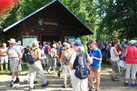 Wandergruppe an der Horbacher-Moor-Hütte