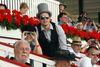 Das Publikum zeigt sich gern mit ausgefallen Hutkreationen, Foto: Rennbahn Hoppegarten GmbH & Co. KG