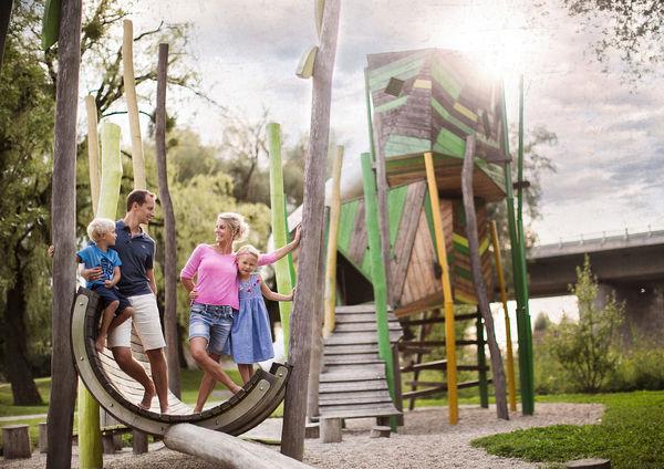 Das Spielplatz-Areal: Weidenversteck