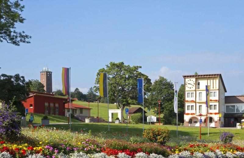 Kurhaus Dobel mit Tourist-Information