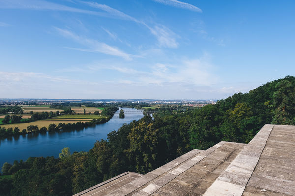 Blick von der Walhalla auf die Donau.