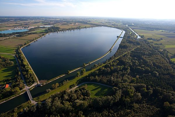 Luftbild vom NSG Mittlere Isarstauseen bei Moosburg