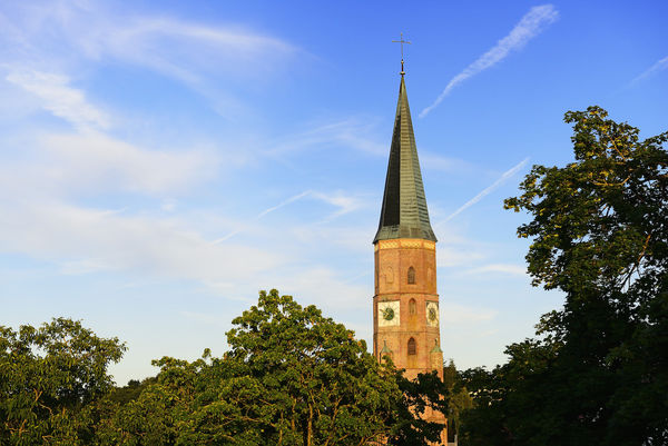 Spätgotische Stadtpfarrkirche Sankt Johannes in Dingolfing