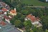 Das Schloss in Adldorf aus der Vogelperspektive