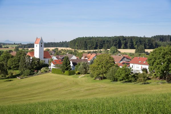 Blick auf die Pfarrkirche St. Maria Rorgenwies