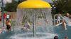 Das Freizeitbecken mit Springbrunnen außen, Foto: Ute Schandert