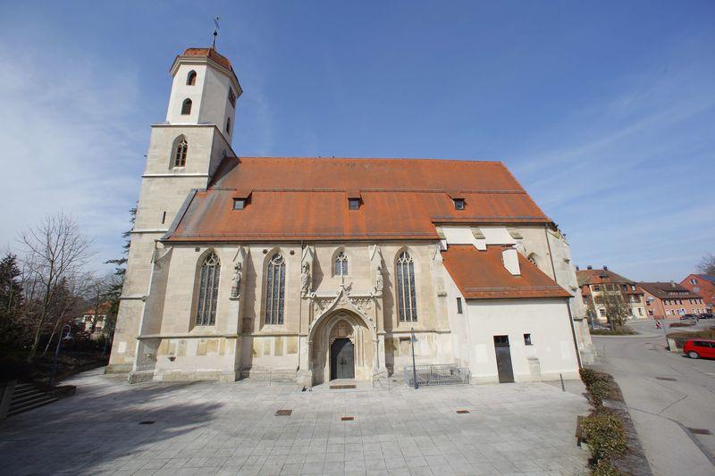 Außenansicht Wolfgangskirche in Ellwangen