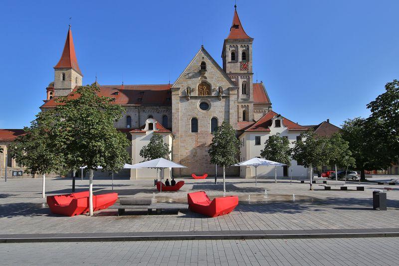 Die Basilika auf dem Marktplatz in Ellwangen