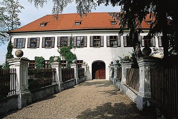 Schloss Ratzenhofen in Elsendorf im Hopfenland Hallertau