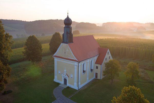Schlosskapelle St. Anton - Schloss Ratzenhofen bei Elsendorf