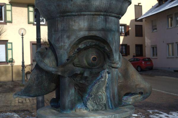 Bildausschnitt Sechs-Sinne-Brunnen