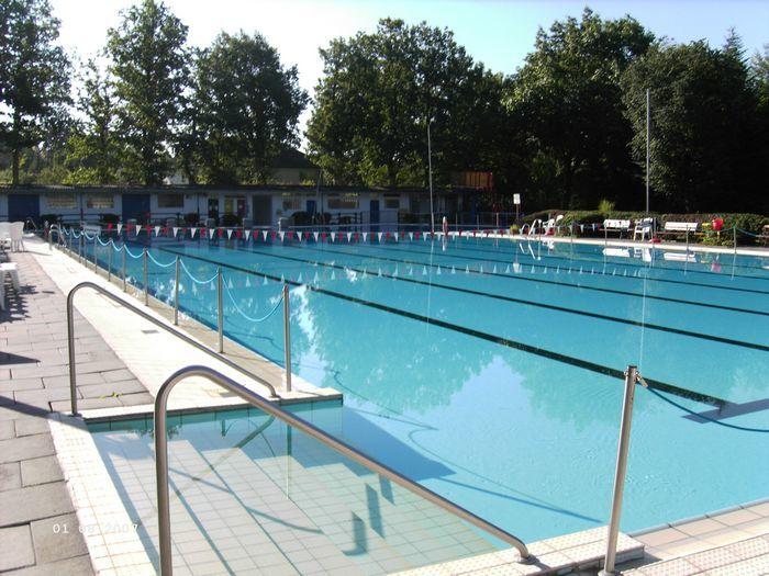 Das Schwimmbecken im Schlossbad Erwitte