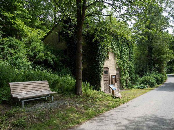 Historisches Pumpenhaus an der Wenne bei Wenholthausen