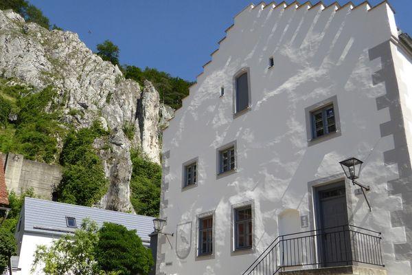 Rathaus und Tourist-Information Essing im Altmühltal