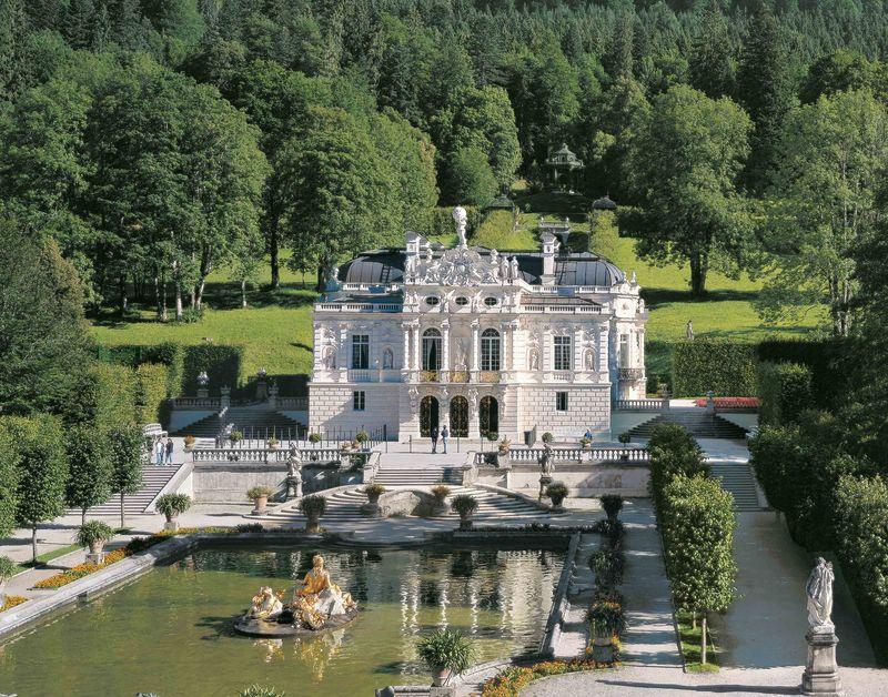 Schloss Park Linderhof Ammergauer Alpen