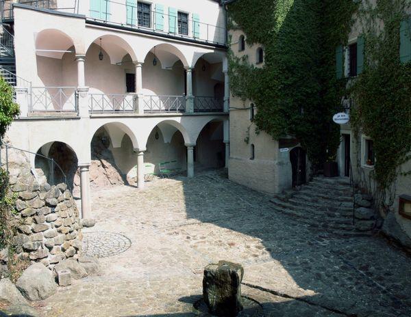 Die Arkaden der Burg Falkenstein