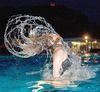 Wasserspaß beim Nachtschwimmen im Freibad Falkenstein