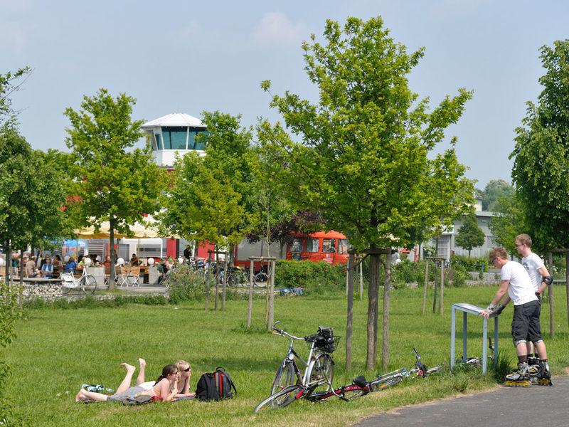 alter flugplatz bonames tower caf region frankfurt. Black Bedroom Furniture Sets. Home Design Ideas