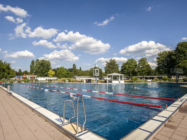 Frankfurt Swimming Pool swimming pools frankfurt tourism