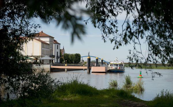 Fahrgastschiff Zefir, Foto Stowarzyszenie Odra Dla turystów