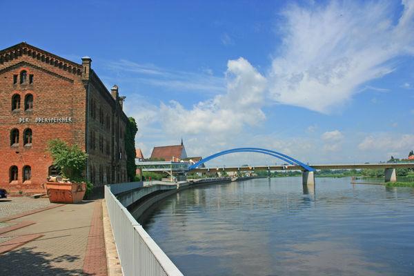 Blick auf die Stadtbrücke Frankfurt (Oder), Foto: terra press Berlin