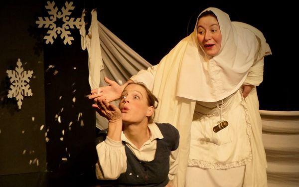 Szene aus Frau Holle, Foto: Theater im Schuppen e.V./Frank Rad