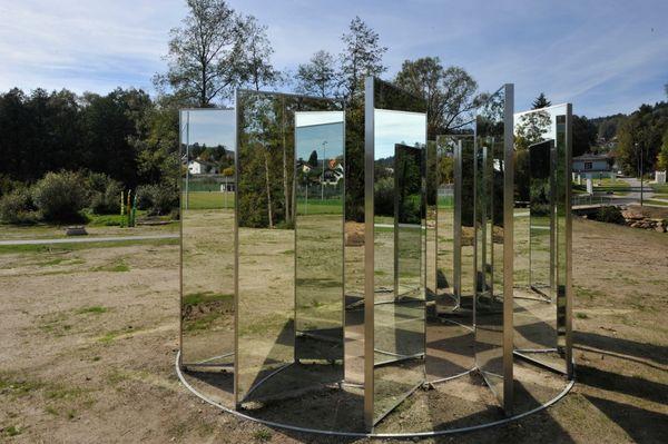 Kunstobjekt Imaginary Space in den Gläsernen Gärten von Frauenau