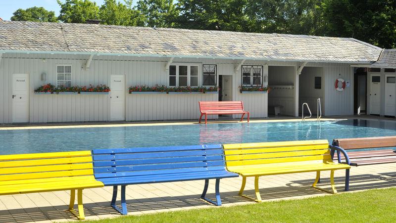 Schwimmbecken im Damenbad des Lorettobades in Freiburg