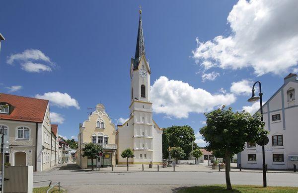Kirchplatz im Markt Nandlstadt