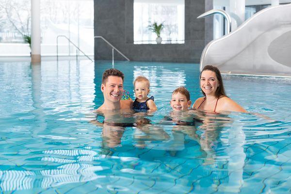 Erlebnis Schwimmbad fresch Innenbereich Becken