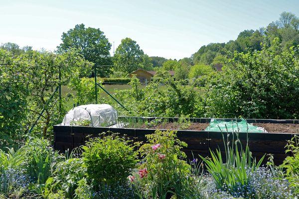 Hochbeet im Kleingartenpark Tuching in Freising
