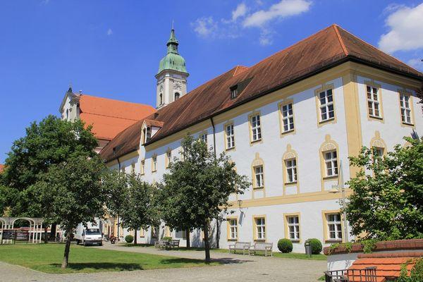 Außenansicht - Kloster Neustift