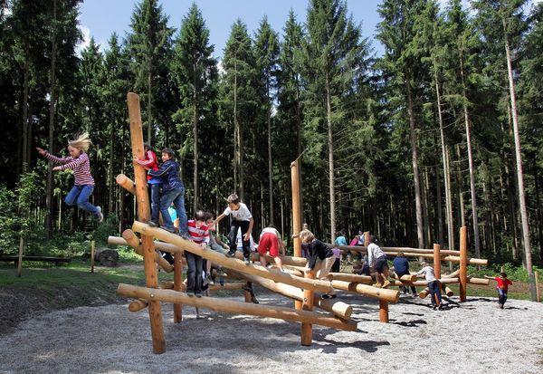 Waldspielplatz auf dem Walderlebnispfad
