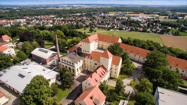 Luftaufnahme von der Staatsbrauerei Weihenstephan auf dem Weihenstephaner Berg in Freising