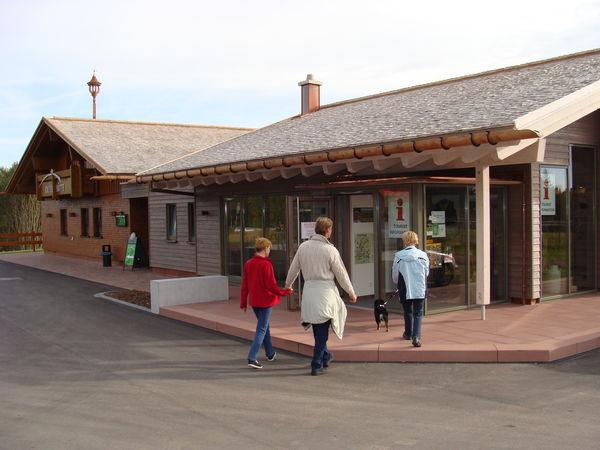 Außenansicht des Besucherzentrums Kniebis