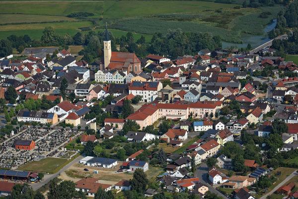 Blick auf Frontenhausen im Vilstal