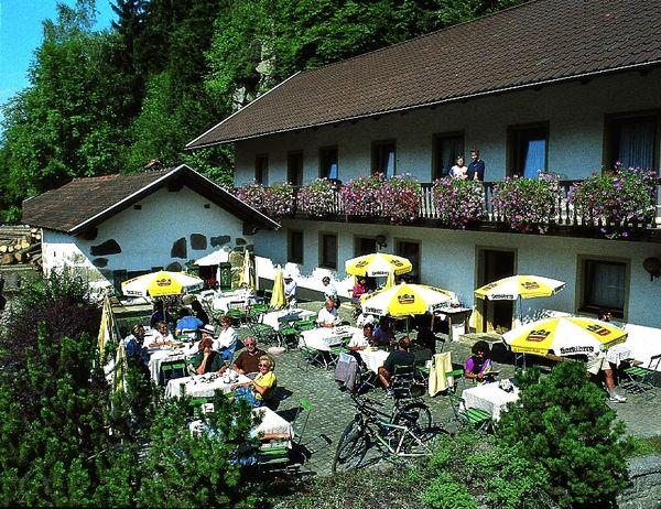 Sommeridylle im Gasthaus-Pension Schrottenbaummühle bei Fürsteneck